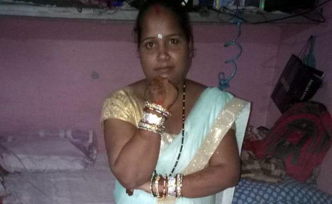 पांच साल के बच्चे के सामने पति ने की पत्नी और छोटे बेटे की गला रेतकर हत्या