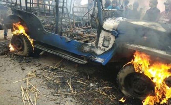 भोजपुर में हॉकर की गोली मारकर हत्या, गुस्साई भीड़ ने पुलिस जीप में लगाई आग