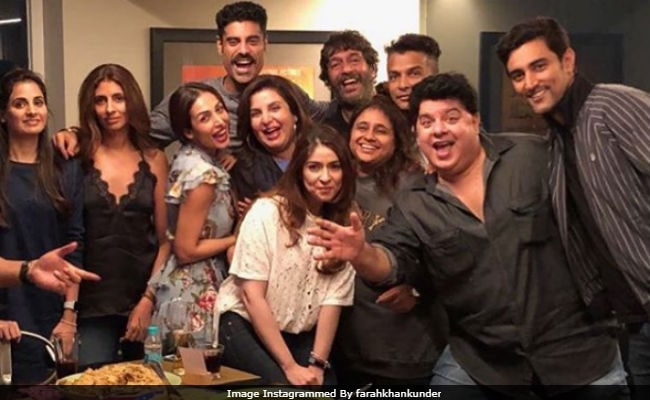 Ever Seen Cousins Shweta And Naina Bachchan Partying Together? Thank Farah Khan For This Pic