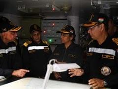 रक्षा मंत्री निर्मला सीतारमण ने लिया भारतीय नौसेना की ताकत का जायजा