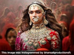 "<i>""Padmaavat""</i> Movie Review: Sanjay Leela Bhansali's Boring Film Doesn't Do Justice To Deepika Padukone"