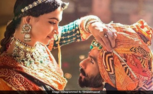 'Padmaavat' Box Office Collection Day 1: Deepika Padukone, Ranveer Singh And Shahid Kapoor's Film Earns Rs 18 Crore