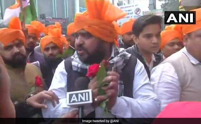 After Violent Protests Against Padmaavat, Karni Sena Says It With Roses