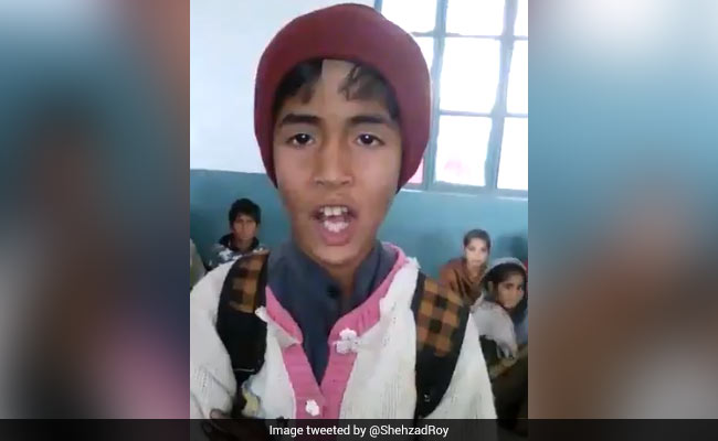 Pak Boy Viral For Singing His Leave Application. 'Give Him Chhutti' Begs Twitter