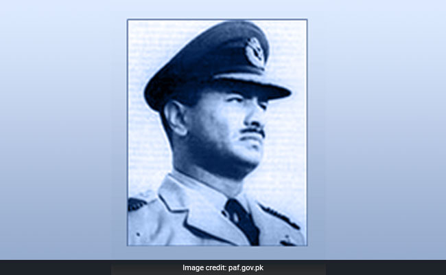 First Pakistan Air Force Chief Air Marshal Asghar Khan Dies At 96