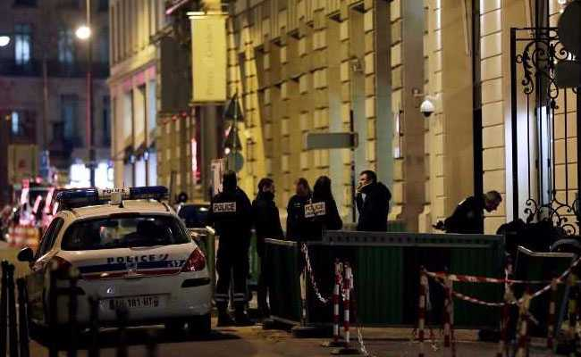 6 Hurt In Paris Stabbing Spree