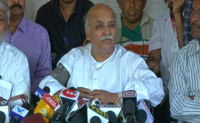 Pravin Togadia Ends 'Indefinite Fast' On Health Grounds