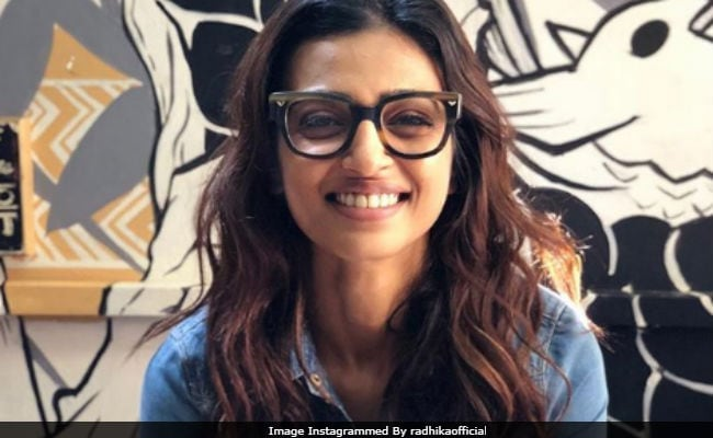 Radhika Apte Trends Because Of Dev Patel. Details Here