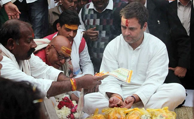 Rahul Gandhi Begins UP Tour With Visit To Hanuman Temple