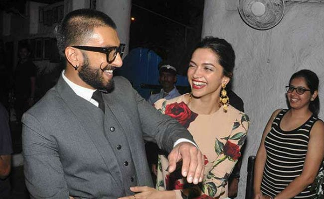 Ranveer Singh And Deepika Padukone Are NOT Getting Engaged