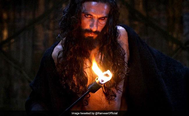 Padmaavat: अलाउद्दीन खिलजी के किरदार से वाहवाही बटोर रहे रणवीर सिंह को रिलीज के 5वें दिन मिला अवॉर्ड