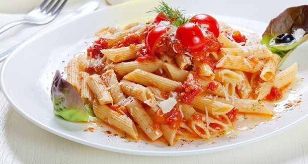 रेड सॉस पास्ता
