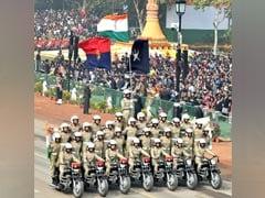 गणतंत्र दिवस के मौके पर राजपथ पर कमांडो संग सेल्फी का खूब दिखा क्रेज