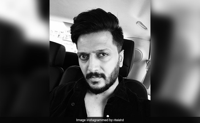 Riteish Deshmukh 'Salutes' Hero Cop Who Saved Lives In Mumbai's Kamala Mills Fire