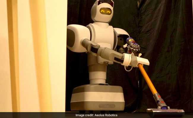 This Robotic Maid Takes Us One Step Closer To 'The Jetsons'