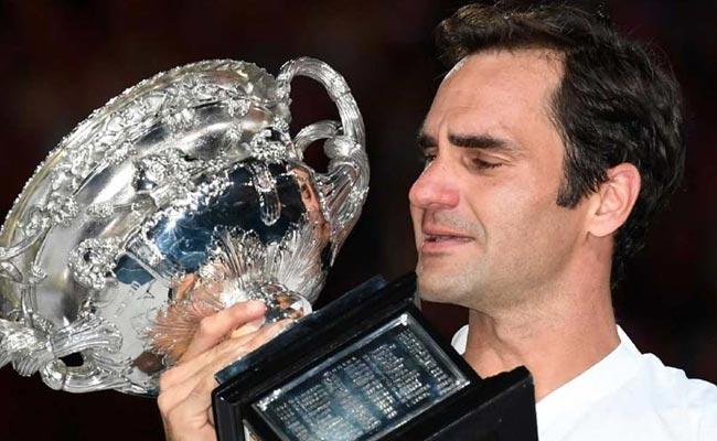 रोजर फेडरर 36 साल की उम्र में बने दुनिया के नंबर वन टेनिस खिलाड़ी, तोड़ा रिकॉर्ड