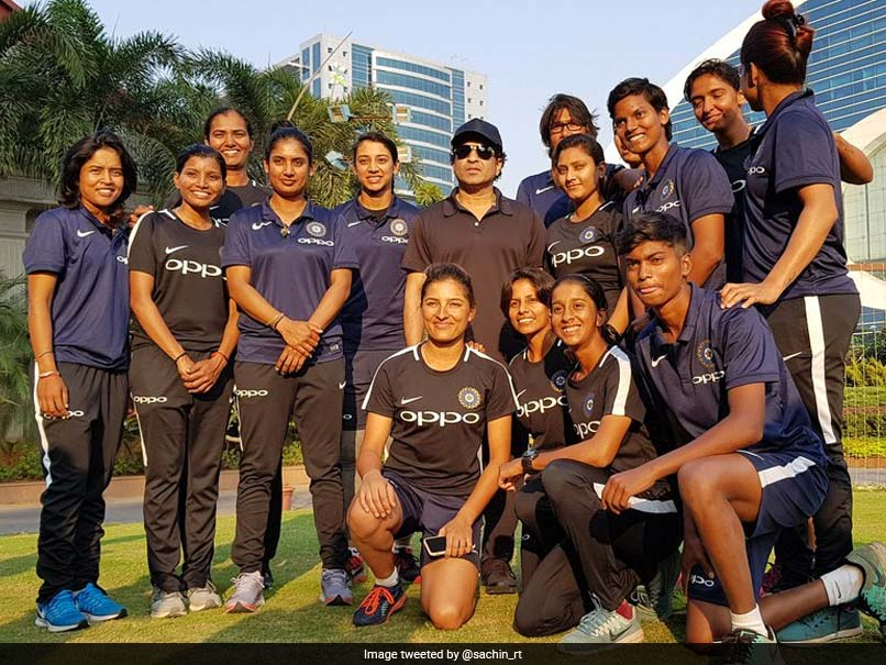 Sachin Tendulkar Meets India Women