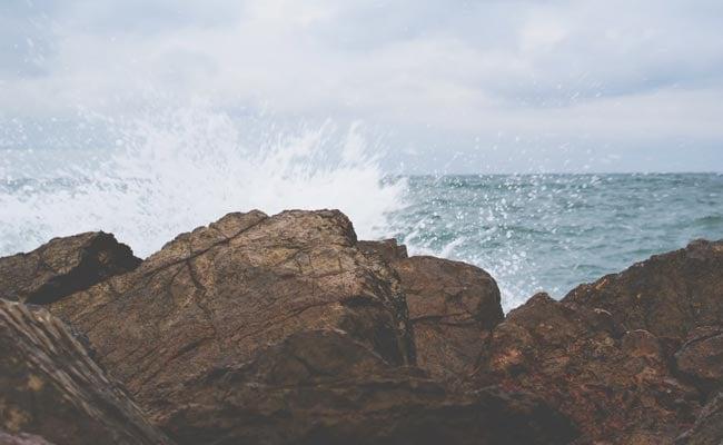'Tsunami In Four Hours': False Alarm Spooks US Town. A Glitch To Blame