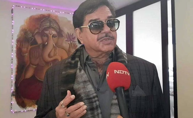 Shatrughan Sinha Sees 'Bright Future' For Tejashwi Yadav