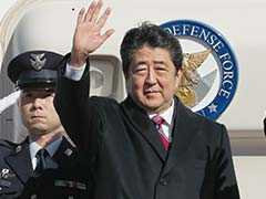 Japanese Prime Minister Shinzo Abe's Official Jet's Wing Panel Falls Off