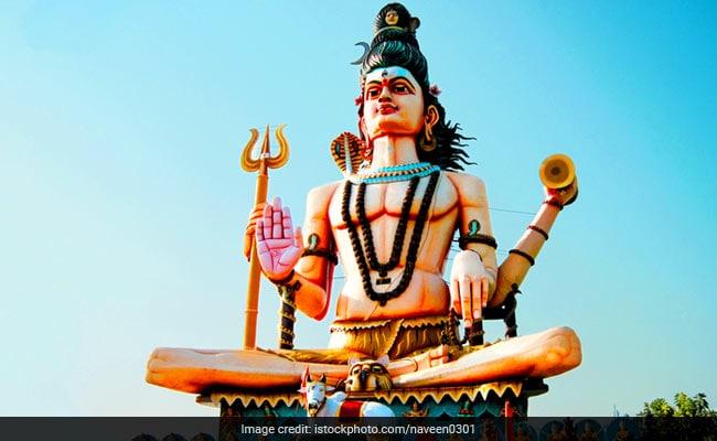 Maha Shivratri 2018: भगवान शिव के मनोकामना पूर्ति मंत्रों को लेकर जबरदस्त उत्साह...