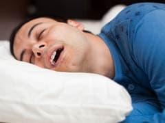 Snoring: खर्राटों से हैं परेशान तो ऐसे करें इलाज, जानें क्यों आते हैं खर्राटे