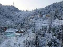 उत्तराखंड के कई इलाकों में भारी बर्फबारी के चलते सभी शिक्षण संस्थान बंद, मैदानी इलाकों में बारिश से लौटी ठंड