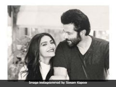 Sonam Kapoor's Reaction To Dad Anil Kapoor's Tweet Is All Of Us
