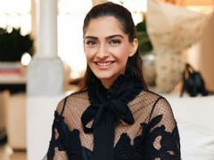 Sonam Kapoor Wants To Know Why Ranbir Kapoor Or Ranveer Singh Aren't Asked About Marriage