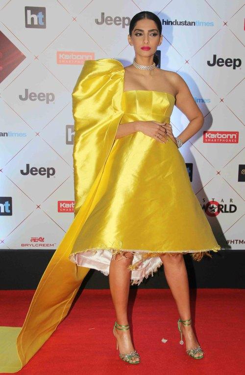 sonam kriti yellow