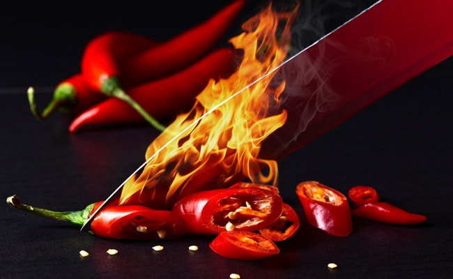 Love Spicy Food? Eating Too Much Chilli May Cause Mental Issues