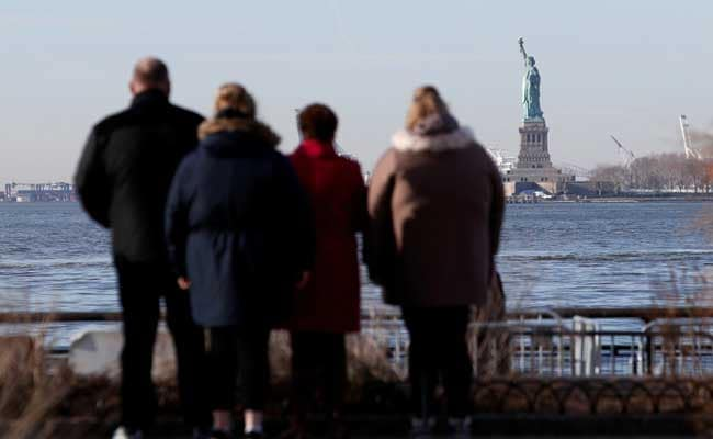 In New York, Tourists Left High And Dry As Statue Of Liberty Shuts Down