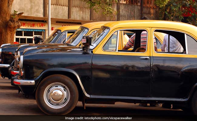 Parrikar refuses striking taxi trades speed governor demand