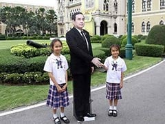 Not Cut Out For The Job: Thai Prime Minister's Stunt Bemuses Public