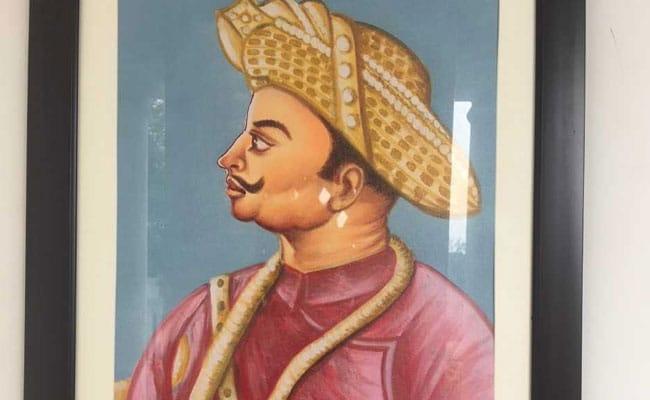 दिल्ली विधानसभा में टीपू सुल्तान की तस्वीर लगाने पर मचा घमासान