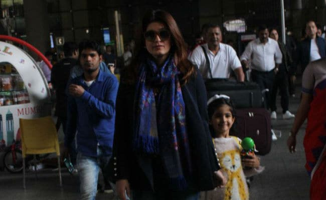 Welcome Home Akshay Kumar, Twinkle Khanna And Nitara. Cape Town Vacation Is Over