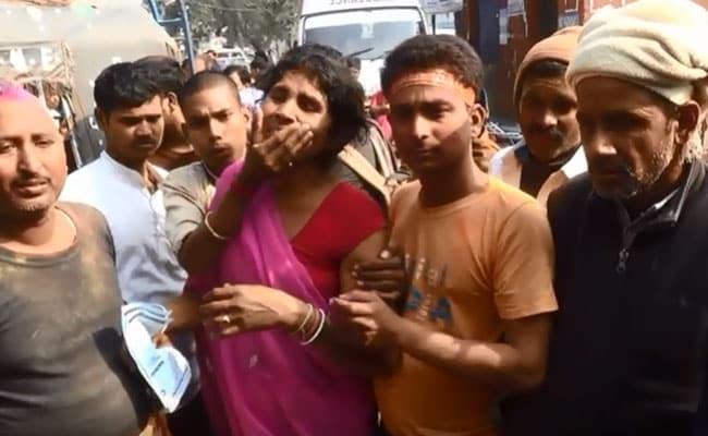 बिहार : मूर्ति विसर्जन के दौरान हाईटेंशन तार की चपेट में आए 6 लोग, 2 की मौत, 4 की हालत गंभीर