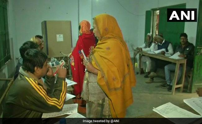 Over 30% voting in 4 hours in Bengal bypolls