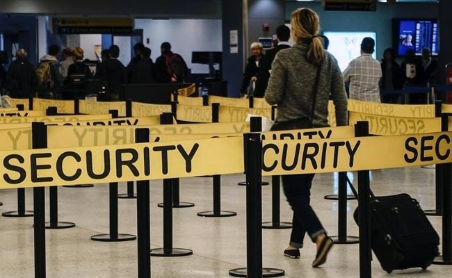 US Customs Agents Are Searching More Cellphones - Including Those Belonging To Americans