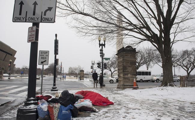 Blocks From White House, A Freezing Tent Is Home
