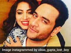 <I>Bigg Boss 11</i>: Vikas Gupta Will Reportedly Divide Prize Money Between Arshi Khan And Jyoti Kumari
