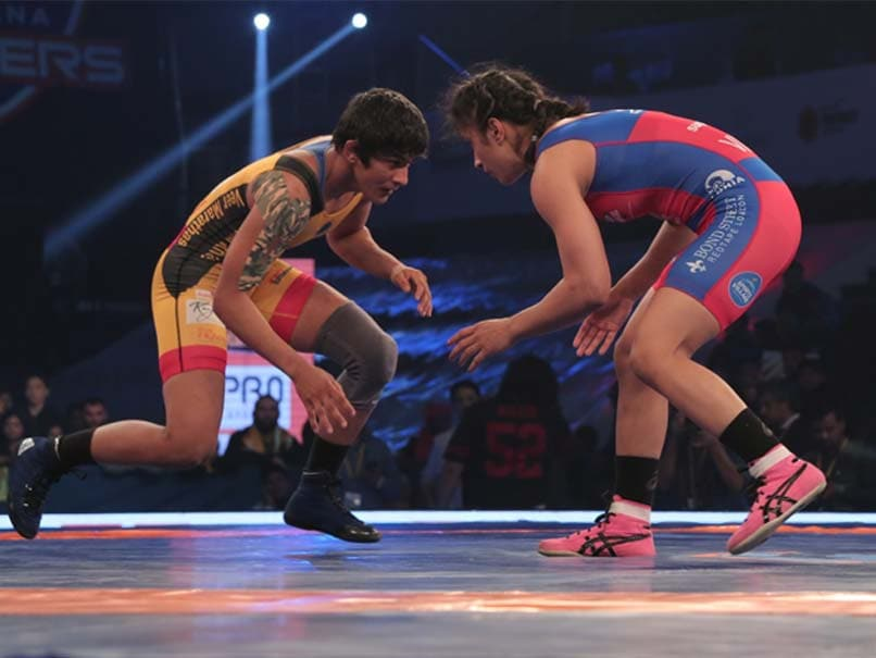 Pro Wrestling League: Vinesh Phogat beats Ritu Phogat In UP Dangal