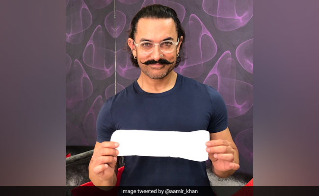 Tagged By Twinkle Khanna Aamir Khan Poses With Sanitary Pad In'PadMan Challenge
