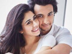 <i>Loveratri</i> Stars Warina Hussain And Aayush Sharma Pose Together. See Pic