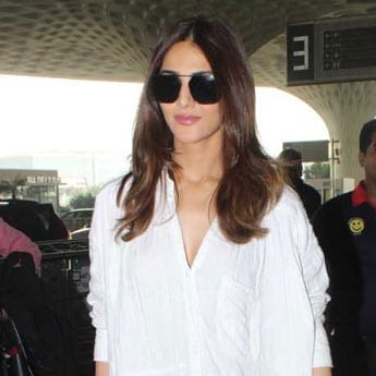 In Airport Fashion : Who Wore What This Week