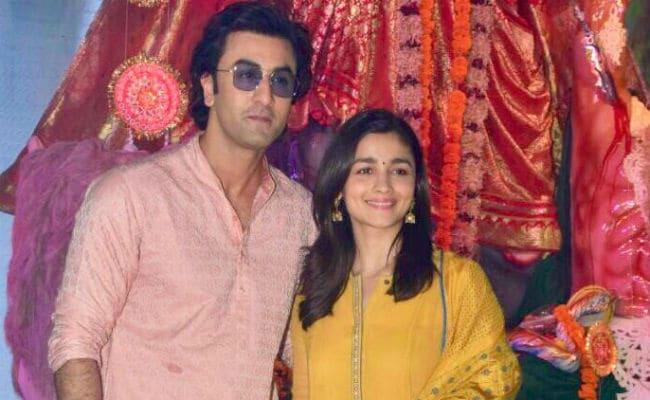 Alia Bhatt And Ranbir Kapoor, Couple Of The Year? Manish Malhotra Predicts A Romance