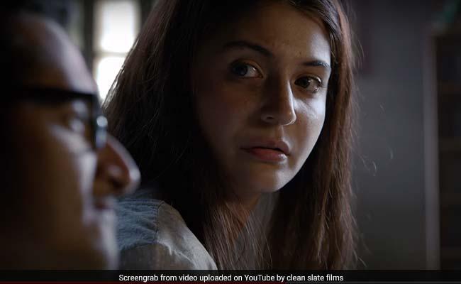 Valentine's Day पर खौफनाक अंदाज में नजर आईं अनुष्का शर्मा, अपने रिस्क पर देखें Video