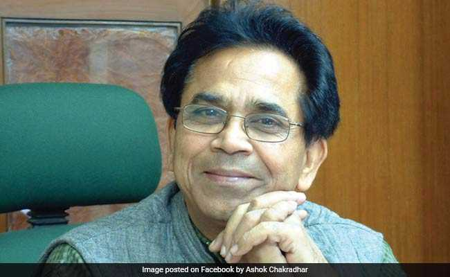 Know All About Hindi Satirist And Padma Shri Ashok Chakradhar