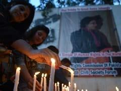 """Pak Bids Farewell To """"Moral Compass"""" Asma Jahangir, Thousands Mourn"""