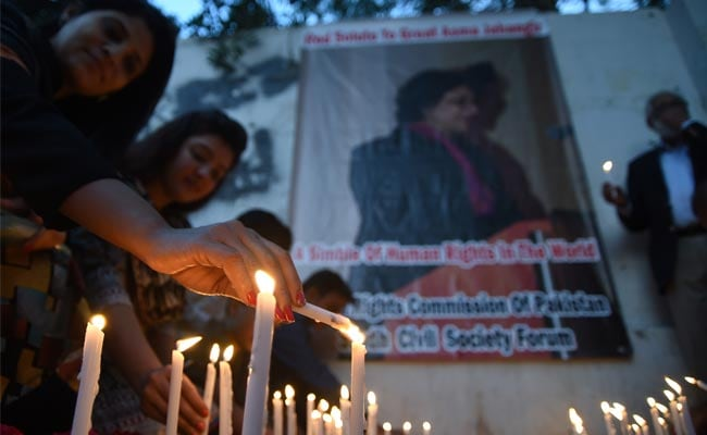 Pak Bids Farewell To 'Moral Compass' Asma Jahangir, Thousands Mourn